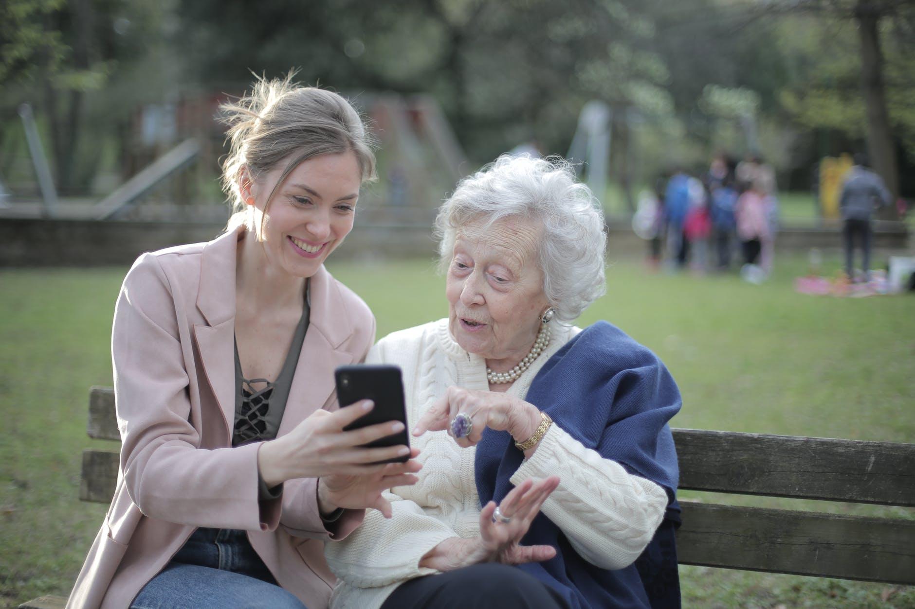 Trik Menjalin Hubungan Baik dengan Orangtua